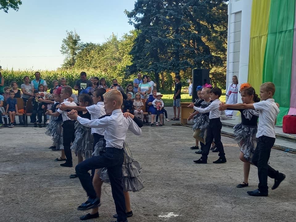 У селі на Одещині влаштували змагання для любителів пива і вареників