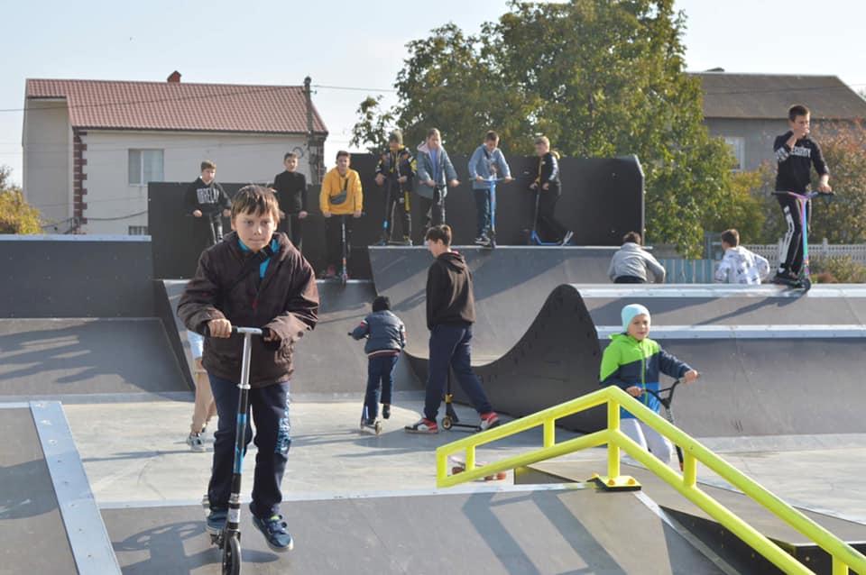 У селах і селищах кращої селищної ОТГ Одещини відкрили ще один скейт-парк